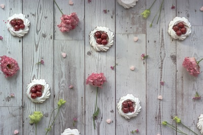 How to Dress Up Your New Room with This Valentine's Day Wall Decorating Ideas